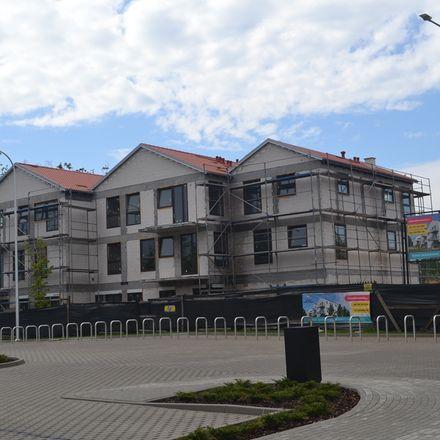 Nowa Murowana już z dachem