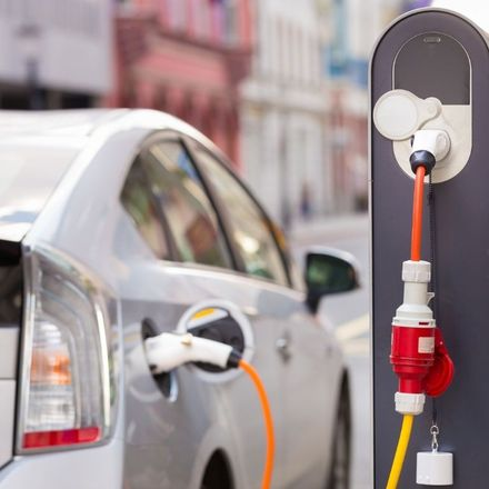 Ładowarki do samochodów elektrycznych w garażach podziemnych bardziej problematyczne niż sądzimy