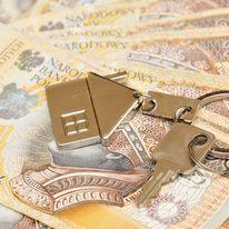 Polacy zadłużają się, by kupować mieszkania