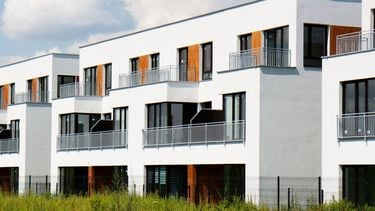 City Lake Apartments